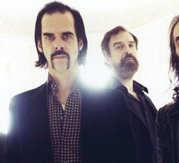 Nick Cave (για την επανένωση των Grinderman): «To κάνει η κάθε άθλια μπάντα, γιατί όχι κάποιοι καλοί;»