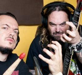 """Τα αδέλφια Cavalera παίζουν ολόκληρο το """"Roots"""""""