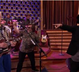 """Μια αναπάντεχη διασκευή στο """"Hello, I Love You"""" των Doors!"""