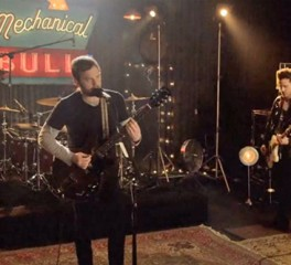 Νέα video από Kings Of Leon, Pixies και Chuck Ragan
