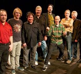 Mέλη των Nirvana και Mudhoney στη σκηνή με τους Sonics