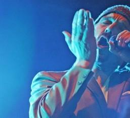 Ο Tim Booth, η φωνή των James, έρχεται στην Ελλάδα για τρεις εμφανίσεις. Κερδίστε προσκλήσεις για τη συναυλία της Θεσσαλονίκης!