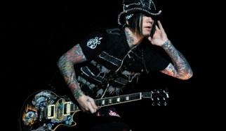 Παρελθόν οι Guns N' Roses για τον D.J. Ashba