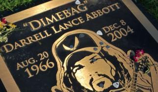 Η ασέβεια στον τάφο του Dimebag προκαλεί «πόλεμο» στο facebook