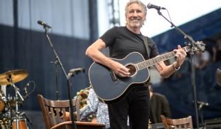O Roger Waters ερμηνεύει νέο τραγούδι και διασκευάζει Bob Dylan