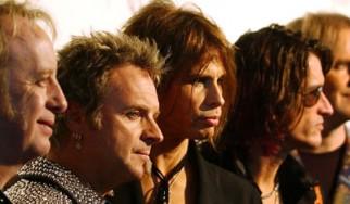 Οι Aerosmith ψάχνουν και επίσημα τραγουδιστή