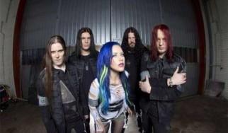 """Οι Arch Enemy δίνουν στη δημοσιότητα το lyric video του """"As The Pages Burn"""""""