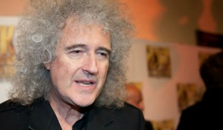 Ο Brian May προαναγγέλλει συναυλίες και «μια γεμάτη χρονιά για τους Queen»