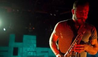 Ο Justin Vernon (Bon Iver) δουλεύει σε καινούργιο δίσκο με τον σαξοφωνίστα των Arcade Fire