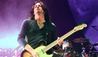 """Ντεμπούτο solo δίσκος από τον κιθαρίστα της περιοδείας του Roger Waters για το """"The Wall"""""""
