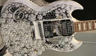Αυτή είναι η ακριβότερη κιθάρα του κόσμου