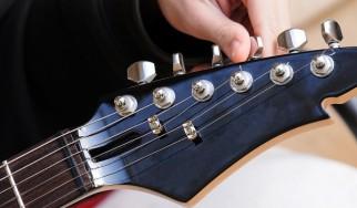 Τα καλύτερα τραγούδια με τα πιο ασυνήθιστα κουρδίσματα στην κιθάρα