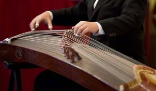 """Το """"One"""" των Metallica διασκευασμένο σε παραδοσιακό κινέζικο μουσικό όργανο"""