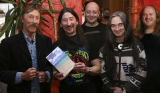 Studio album μετά από πέντε χρόνια για τους Hawkwind