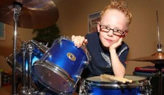 Επτάχρονος drummer παίζει Foo Fighters στην αμερικάνικη τηλεόραση