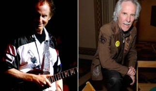 John Densmore και Robby Krieger παίζουν ζωντανά τραγούδια των Doors
