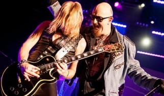 Αγωγή των Judas Priest εναντίον της εταιρίας ρούχων GAP