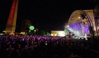 Θερμή υποδοχή στο φεστιβάλ του Jumping Fish από την Cosmote