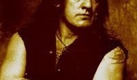 Ο Lemmy κατηγορεί τις δισκογραφικές εταιρείες