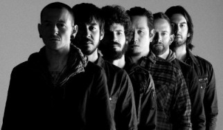 O Chester Bennington των Linkin Park μπαίνει στο χειρουργείο