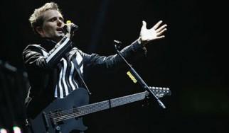 Ρεκόρ των Muse για την παραμονή τους στην κορυφή των Billboard's Charts - Κατεβάστε ένα τραγούδι τους από το War Child