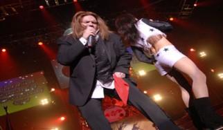 Κατέρρευσε επί σκηνής ο Meat Loaf