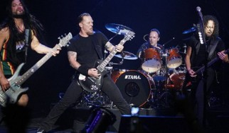 Με προβλήματα ο Hetfield στο Sonisphere της Μπαρτσελόνα...