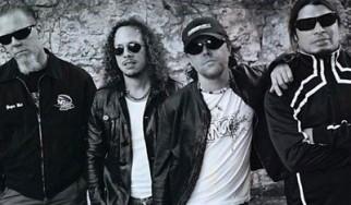 Η γηραιότερη οπαδός των Metallica συναντήθηκε με τα μέλη της μπάντας