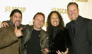 """Νούμερο Ένα σε πωλήσεις στην Αμερική από το 1991 και μετά το """"Black Album"""" των Metallica"""