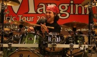 Και ο νέος drummer των Dream Theater είναι ο...