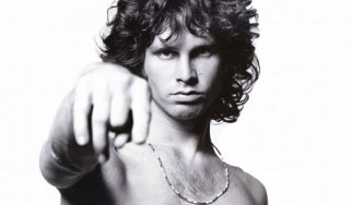 H Marianne Faithfull αποκαλύπτει ποιος σκότωσε τον Jim Morrison