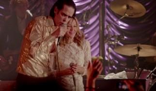 Η Kylie Minogue διαβάζει την περιβόητη επιστολή του Nick Cave στο MTV (video)
