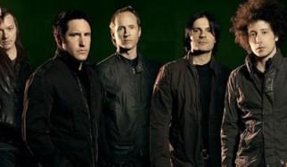 Σε δημοπρασία βγάζουν τον εξοπλισμό των περιοδειών τους οι Nine Inch Nails