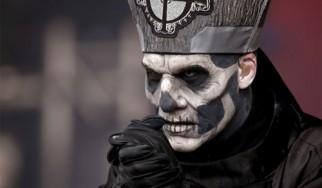 Αποκαλύφθηκαν η ταυτότητα και το πρόσωπο του Papa Εmeritus II των Ghost;
