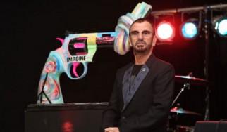 Ο Ringo Starr διαδίδει το μήνυμα της ειρήνης