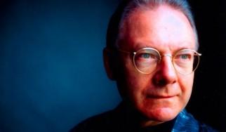 Ο Robert Fripp ανακοινώνει την επαναδραστηριοποίηση των King Crimson