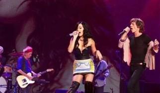 Η Katy Perry ανεβαίνει στη σκηνή με τους Rolling Stones
