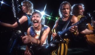 "Aκούστε το ακυκλοφόρητο ""Running For The Plane"" των Scorpions"