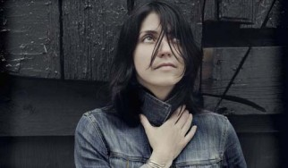 Μας ρίχνει υπέροχα με ολοκαίνουργιο single η Sharon Van Etten