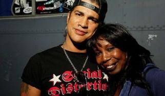 Απεβίωσε η μητέρα του Slash
