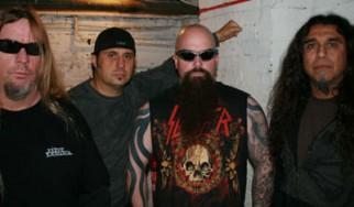 Μπείτε στο metal κλίμα των Χριστουγέννων με τη βοήθεια των Slayer