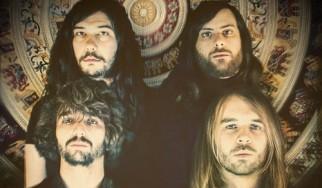 Πρώτο τραγούδι και δισκογραφικό συμβόλαιο για τους Sunder (εξέλιξη των The Socks)