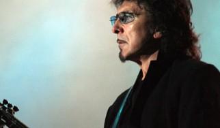 Πληροφορίες για την αυτοβιογραφία του Tony Iommi