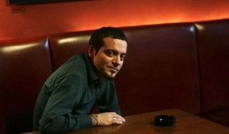 Ο Vassilikos κυκλοφορεί νέο δίσκο με διασκευές τραγουδιών του Τσιτσάνη