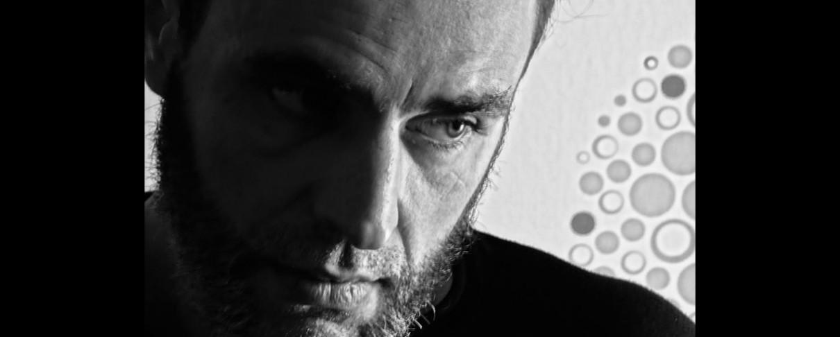 Rock Culture #16: Μιλήσαμε για rock είδωλα, μουσικές φυλές και την κάνναβη με τον συγγραφέα Λιάκο Μπουρνόβα